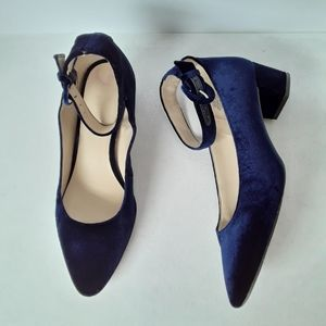 Nine West navy velour pointy toe shoes
